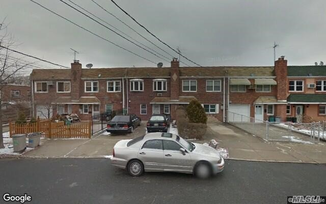 517 115th St, College Point, NY 11356