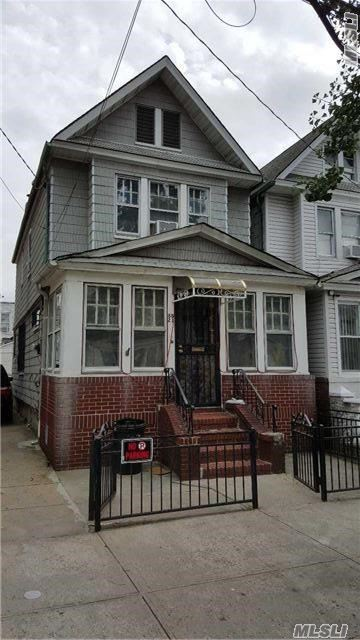 88-21 74th Pl, Woodhaven, NY 11421