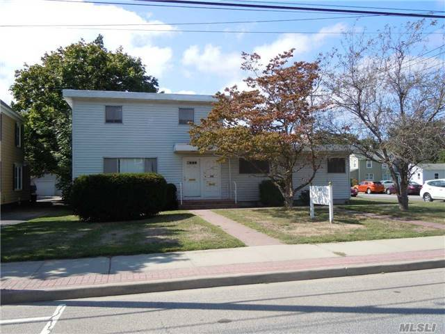 168 N Ocean Ave, Patchogue, NY 11772