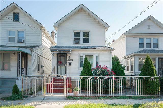 104-03 216th St, Queens Village, NY 11429