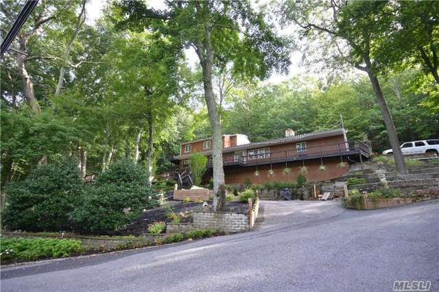 485 Harbor Rd, Cold Spring Hrbr, NY 11724