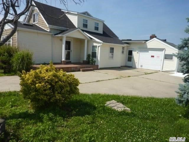 3595 Somerset Dr, Seaford, NY 11783