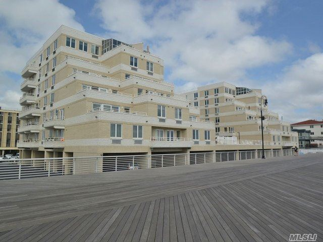 450 W Broadway #6c, Long Beach, NY 11561