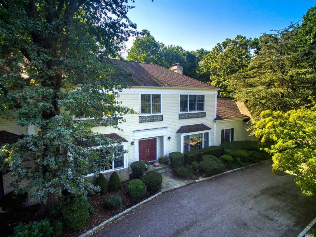 7 Copperfield Ln, Old Brookville, NY 11545
