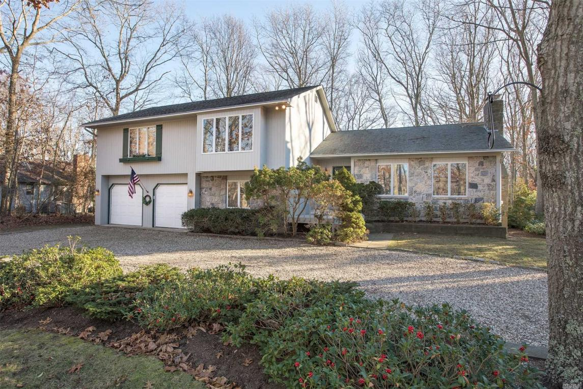 44 Country Club Dr, Shelter Island, NY 11964