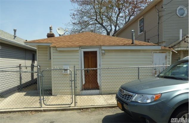 42B 3rd Ave #42b, Out Of Area Town, NY 10465