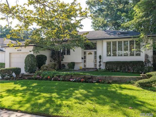 858 Oliver Ave, N Woodmere, NY 11581