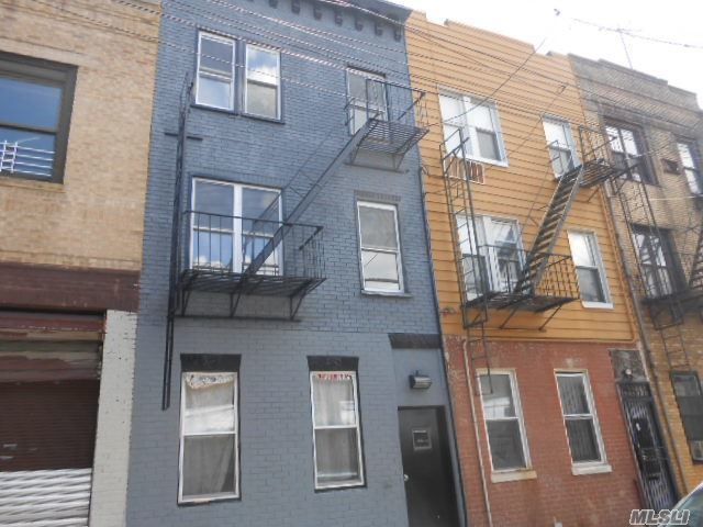 3126 Jerome Ave, Out Of Area Town, NY 10468