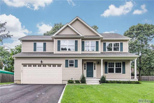 8 Bromley Pl, Greenlawn, NY 11740