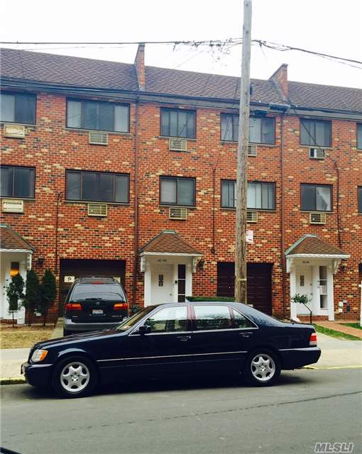 110-48 72 Rd, Forest Hills, NY 11375