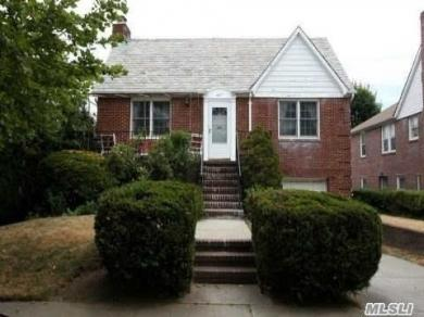447 E Penn St, Long Beach, NY 11561