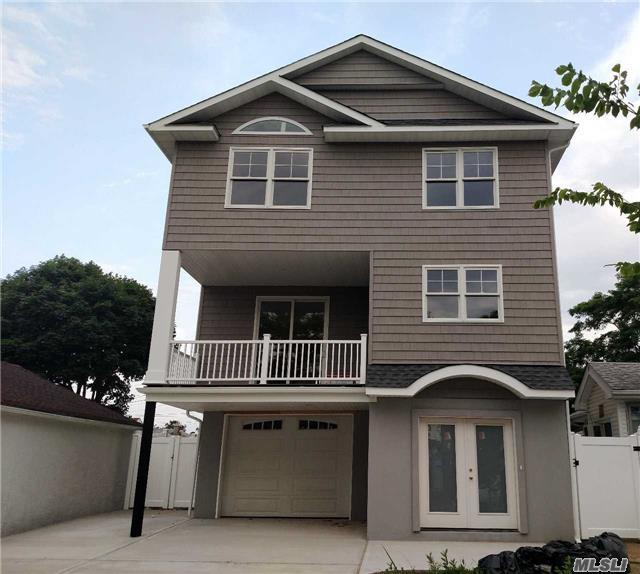 470 E Pine St, Long Beach, NY 11561