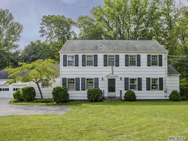 55 White Hill Rd, Cold Spring Hrbr, NY 11724