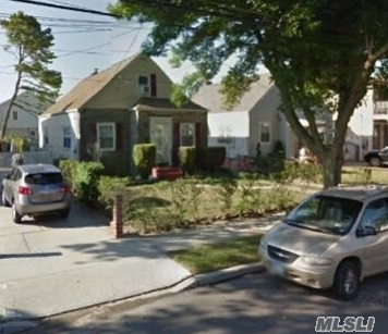241-07 147th Ave, Rosedale, NY 11422