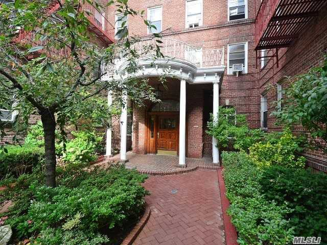 111-39 76th Road #E2, Forest Hills, NY 11375