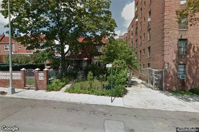 105-47 63rd Rd, Forest Hills, NY 11375