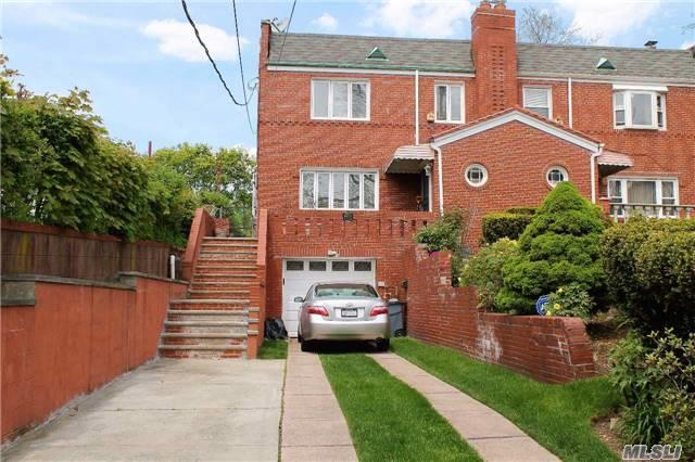 160-15 Normal Rd, Jamaica Hills, NY 11432