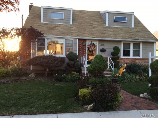 366 Lucille Ave, Elmont, NY 11003