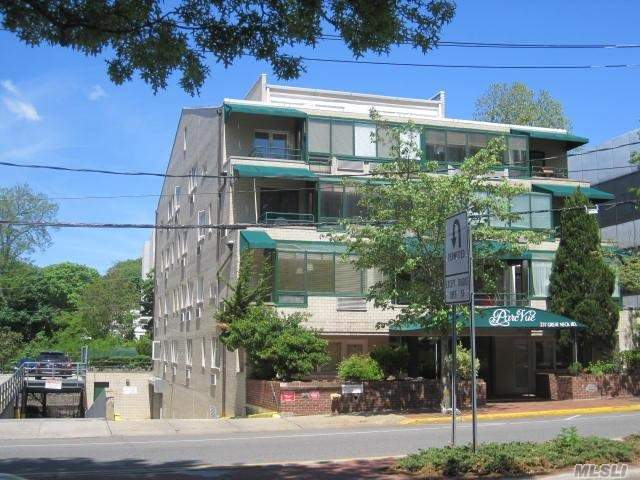 237 Great Neck Rd #4 C, Great Neck, NY 11021