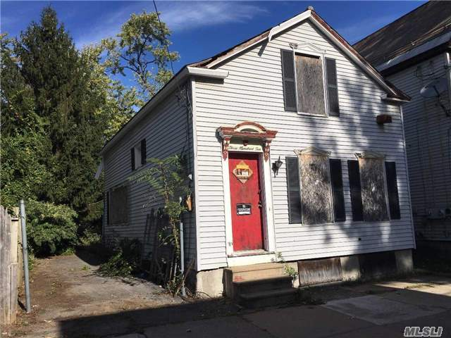 310 Schenectady St, Out Of Area Town, NY 12307