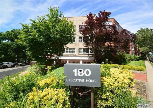 180 S Middle Neck Rd #1-f, Great Neck, NY 11021