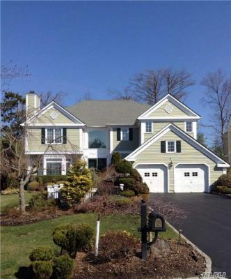 Photo of 17 Rose Hill Dr, North Hills, NY 11030