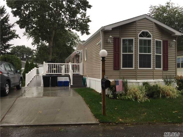 1661-171 Old Country Rd, Riverhead, NY 11901