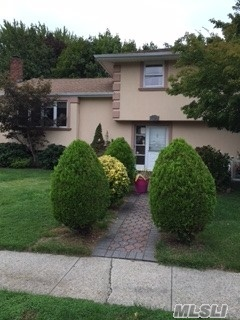 59 Madison Pl, Roslyn Heights, NY 11577