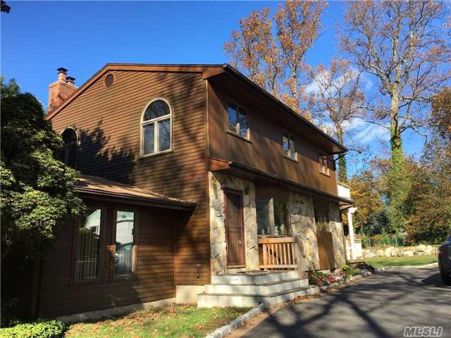 16 Westview Rd, Northport, NY 11768