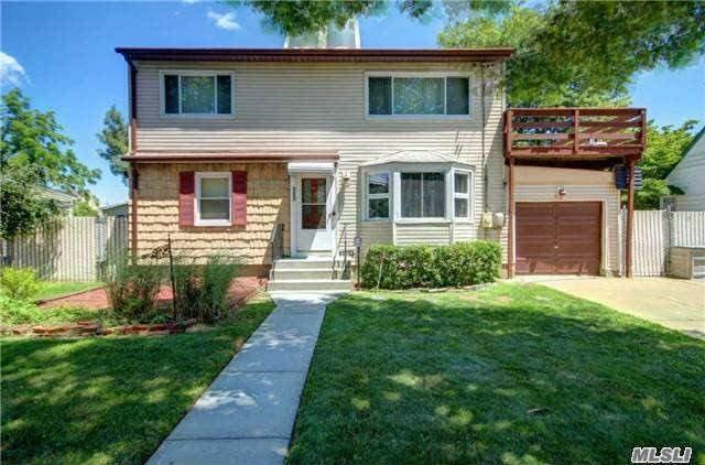 2227 6th St, East Meadow, NY 11554