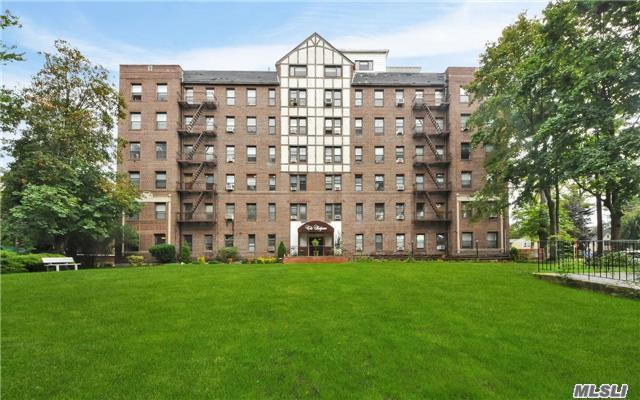 37 Brompton Rd #2d, Great Neck, NY 11021
