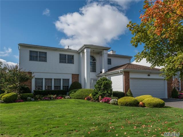 106 Fairway View Dr, Commack, NY 11725
