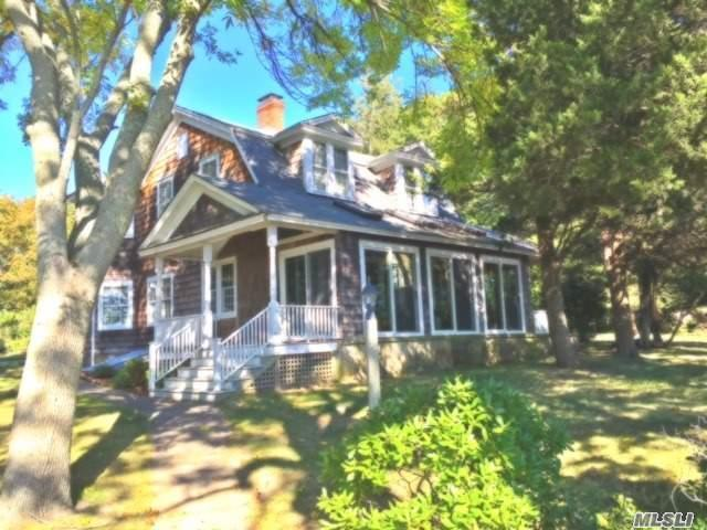 1695 Old Woods Path, Southold, NY 11971