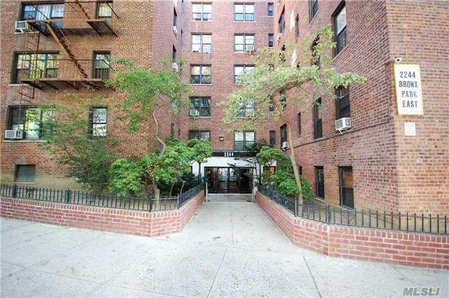 2244 Bronx Park East #4c, Out Of Area Town, NY 10467