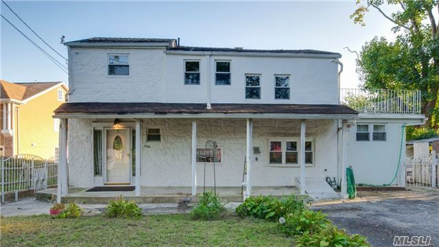 176 B Jefferson Ave, Roslyn Heights, NY 11577