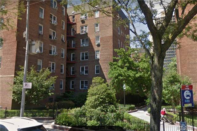 66-40 108th Street #2f, Forest Hills, NY 11375