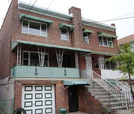 927 E 226th St, Out Of Area Town, NY 11420