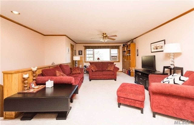 11 Westview Ave #4-2, Out Of Area Town, NY 10603