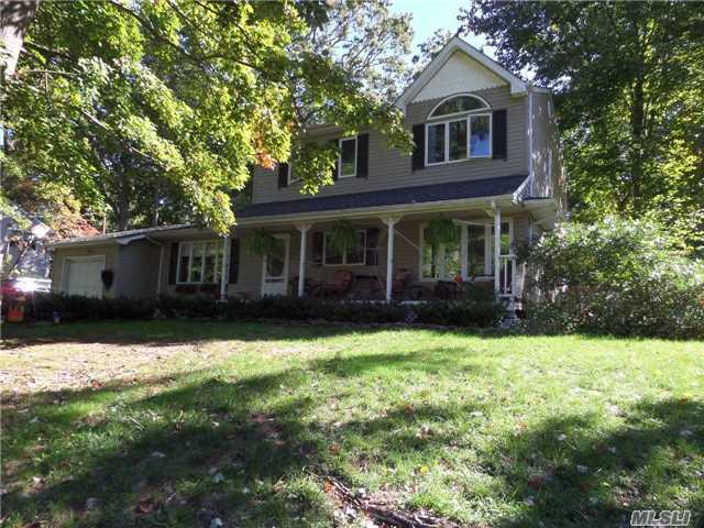 28 Rolling Rd, Miller Place, NY 11764
