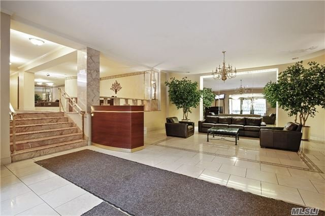 68-61 Yellowstone Blvd #506, Forest Hills, NY 11375