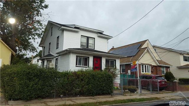 132-42 218th St, Cambria Heights, NY 11411
