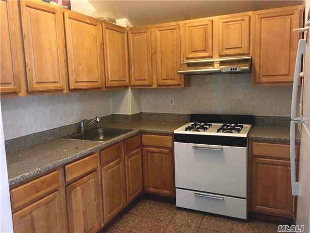 114-09 14 Rd, College Point, NY 11356
