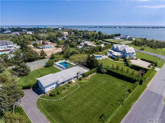 272 Oneck Ln, Westhampton Bch, NY 11978