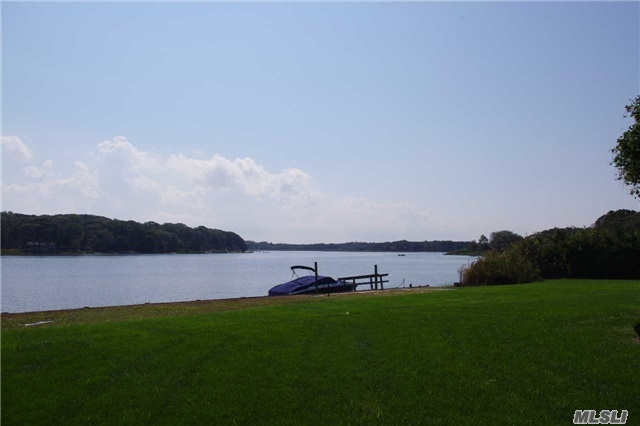 1690 N. Bayview Rd, Southold, NY 11971