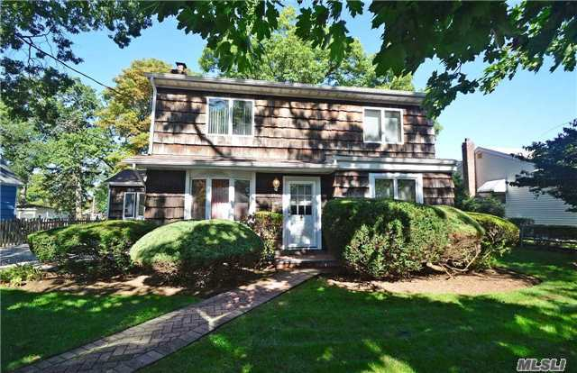 2019 Bedford Ave, N Bellmore, NY 11710