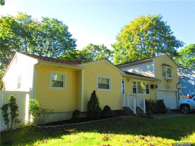 182 N 27th St, Wheatley Heights, NY 11798