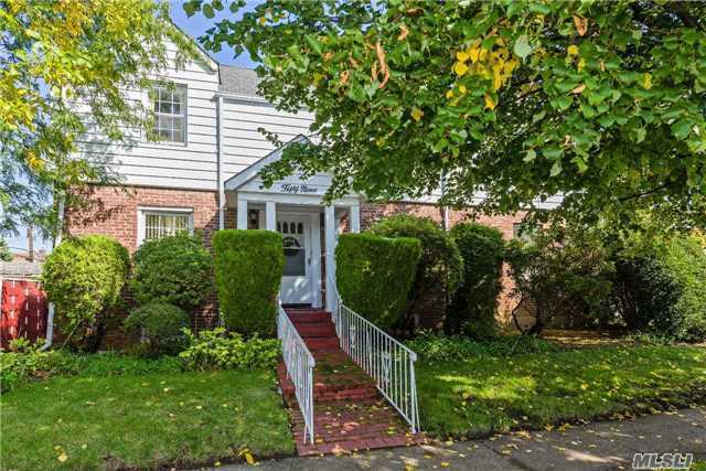 59 Sussex Rd, Elmont, NY 11003