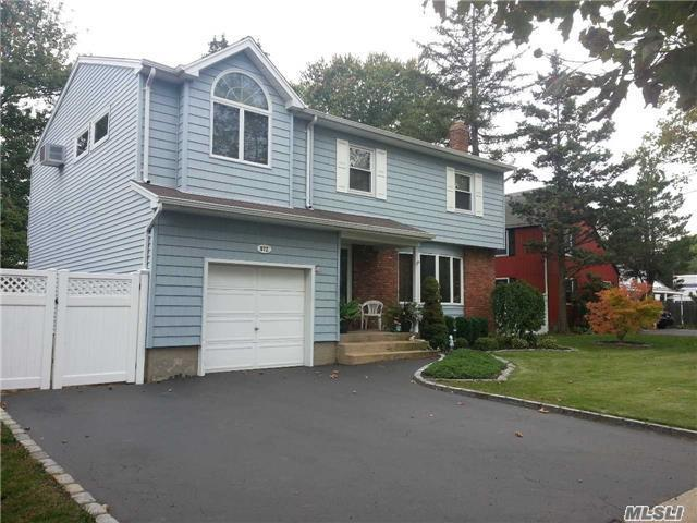 972 Bellmore Ave, N Bellmore, NY 11710
