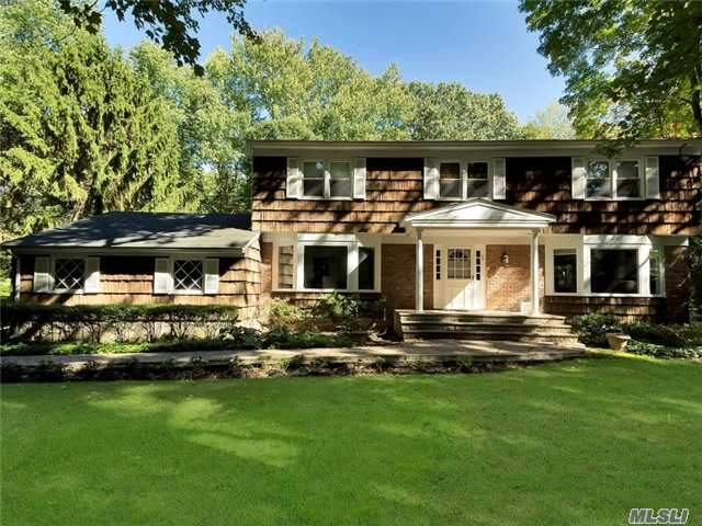 37 Spring Ct, Muttontown, NY 11791
