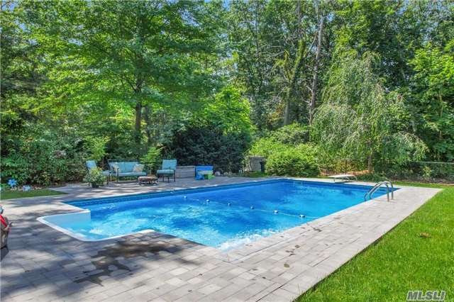58 Radio Ave, Miller Place, NY 11764